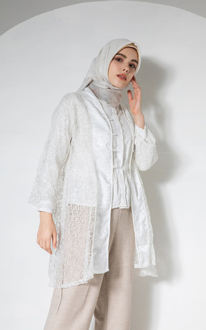 Genci Outer White