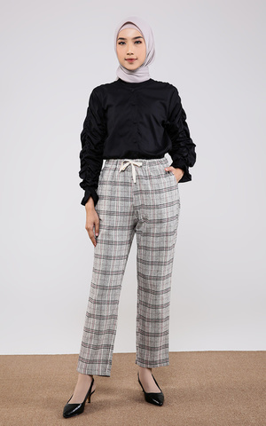 Akano Pants Brown