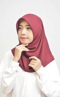 Daily Instan Hijab Square Maroon