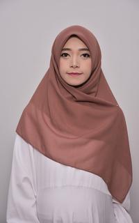Hijab Polos Bella Square Hijab Scarf Syari Segi Empat Mocca