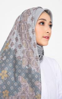 Hijab Motif Elia Series Sage