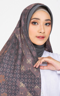 Hijab Motif Elia Series Ash Brown