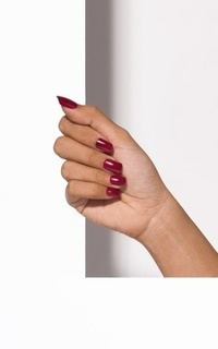 Beauty Courage In Red - Spot On Manicure
