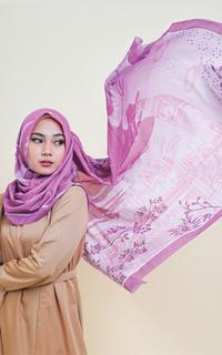 Hijab Motif Big Ben Signature Square Voile Scarf Fucshia