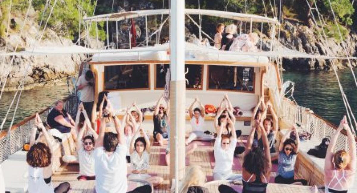 Внедряем новую мощную привычку: йога по утрам