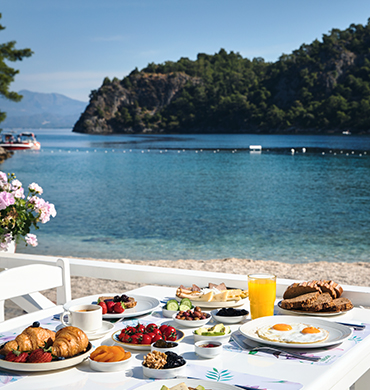Breakfast Near Sea