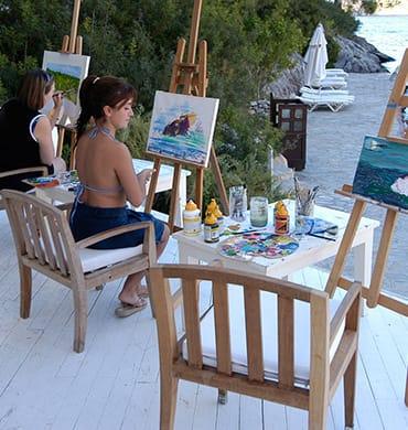 Momente des Glücks direkt am Strand - wie kann man sich auch nicht von der natürlichen Schönheit des Hillside Beach Clubs inspirieren lassen und zum Pinsel greifen? Da kann man weder aufhören, noch wollte man es