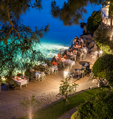 Dining Near Sea