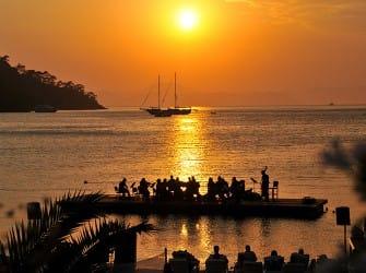 Schwimmendes Konzert live auf Facebook: Classical Music on the Sea im Hillside Beach Club