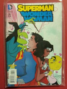 Superman Wonder Woman #23 Looney Tunes Variant DC New 52