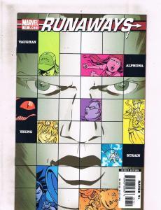 Lot Of 2 Runaways Marvel Comic Books # 17 18 BK Vaughan X-Men Avengers Hulk BF1