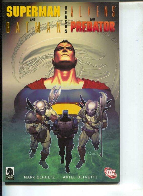 Superman and Batman VS. Aliens and Predator-Mark Schultz -TPB-trade