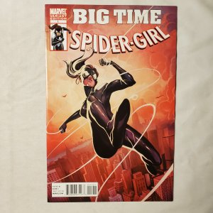 Spider-Girl 1 Very Fine+ Cover by Michael Del Mundo