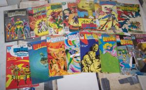 outsiders lot of 19 comics  # 1 2 4 9 10 13 15-28 KATANA - BLACK LIGHTNING