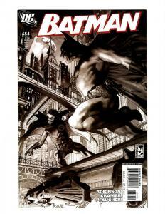 8 Comics Batman 654 Detective Comics 0 Doc Savage 1 Smallville 1 +MORE J394