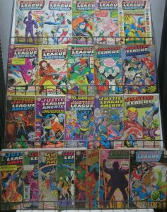 JUSTICE LEAGUE OF AMERICA (DC, 1960) READERS LOT #1! 23 issues bet 34 and 71!