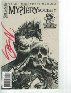 Mystery Society #1 VF/NM larry's variant signed by steve niles - IDW ashley wood