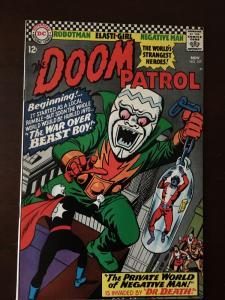 DOOM PATROL! #107 WAR OVER BEAST BOY!! BRIGHT VF NEGATIVE MAN!