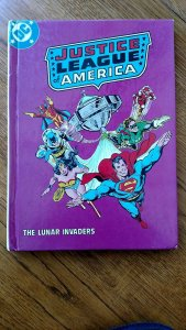 1982 DC Comics Justice League of America The Lunar Invaders Book