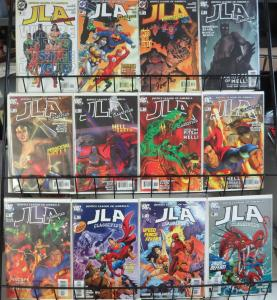 JLA CLASSIFIED #1-3, 10-41, 43-44, 47, 49, 51 | Lot 40 comics 2006-2008 DC VF-NM