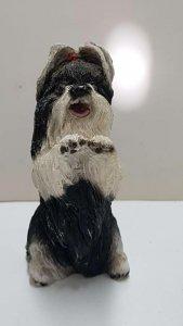 Figura de perro resina: Shitzu de 9x4.5 cm