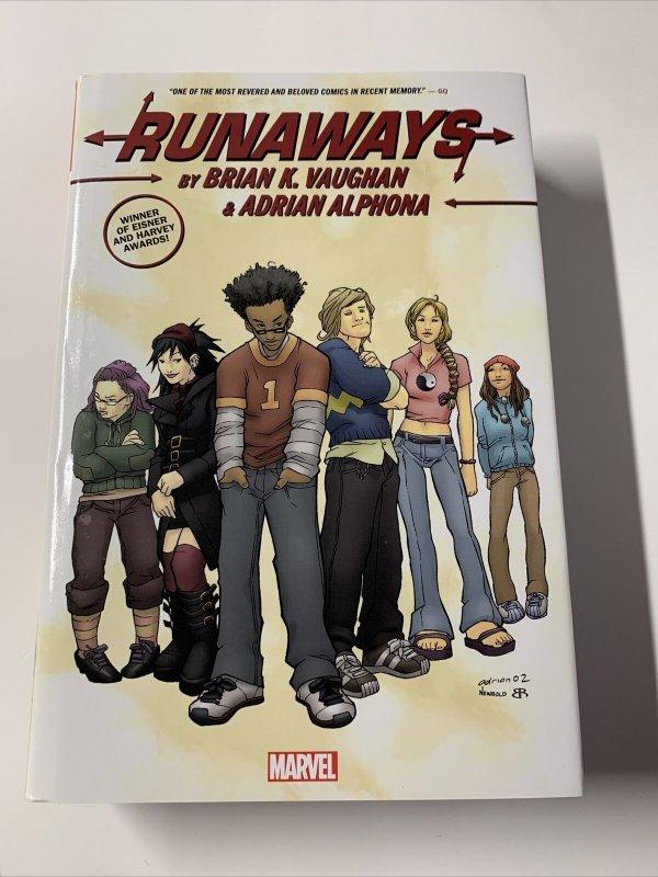 Runaways Omnibus Marvel Hc Tpb Brian K Vaughn Shows Some Wear