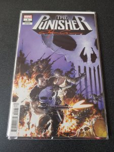 THE PUNISHER #1 VARIANT SIGNED BY CLAYTON CRAIN WITH COA.