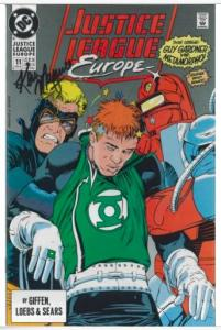 JUSTICE LEAGUE EUROPE #11 SIGNED AUTOGRAPHED BY ARTIST KEVIN MAGUIRE W/COA