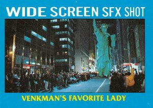 1989 Topps Ghostbusters #74 Venkman's Favorite Lady