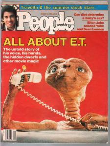 People Weekly 8/23/1982-Time-E.T.-Elton John-Yoko-John Travolta-FN
