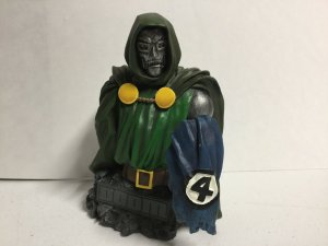 Doctor Doom Bust Dimand Select Fantastic Four Marvel Missing Box