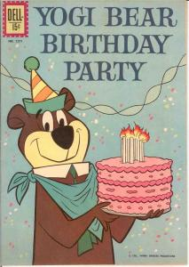 YOGI BEAR (1959-1970 DELL/GK) F.C.1271 VF BIRTHDAY PART COMICS BOOK