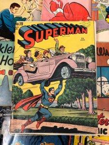 Superman #19 4.5 VG+ DC Comics GOLDEN AGE vibrant CLASSIC TEN CENTS 1942