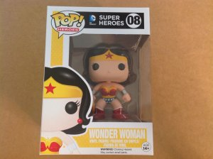 Wonder Woman 08 Funko Pop figure MIB in hand DC Super Heroes
