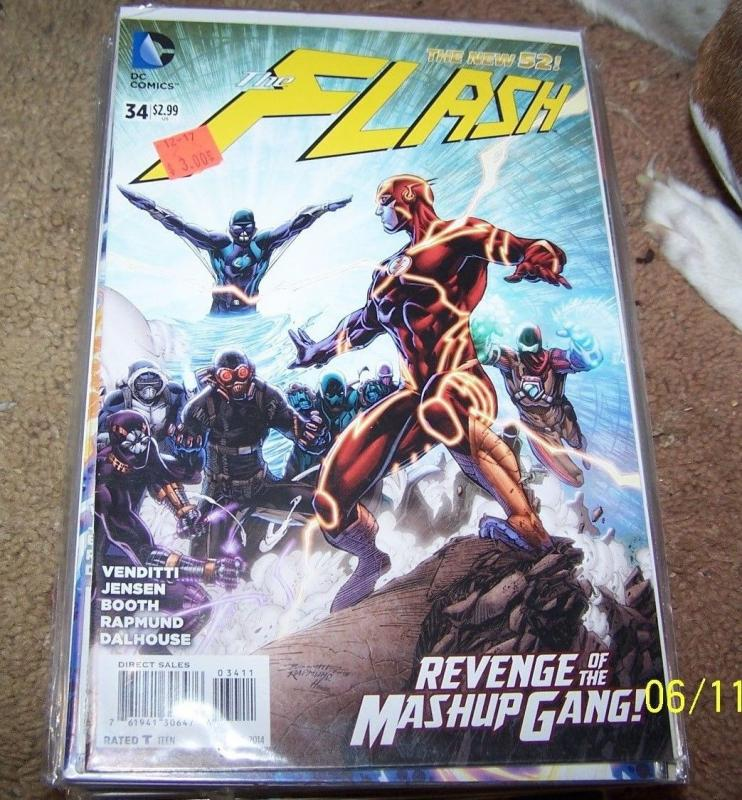 FLASH # 34 (October 2014, DC) NEW 52 +  MASHUP GANG