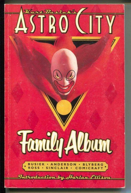 Astro City Family Album-Kurt Busiek-TPB-Trade