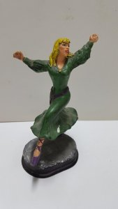 Figura Resina Sigrid serie El Capitan Trueno (pieza usada como molde con leve...