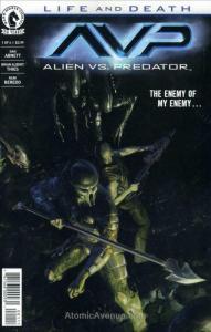 Alien Vs. Predator: Life and Death #1 VF; Dark Horse | save on shipping - detail