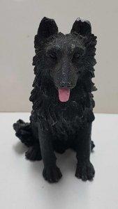 Figura de perro resina: Pastor Alsaciano de 9x6 cm.