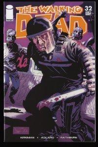 Walking Dead #32 NM 9.4
