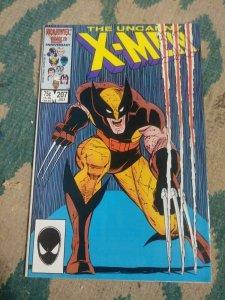 UNCANNY X-MEN # 207 1986 MARVEL  wolverine phoenix hellfire club black queen
