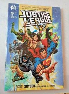 DC COMICS JUSTICE LEAGUE VOL 1 TOTALITY TPB TRADE PAPERBACK MARTIAN BATMAN FLASH