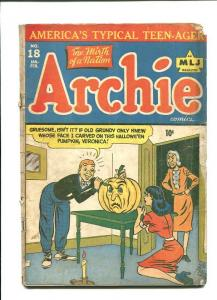 ARCHIE 18-1945-HALLOWEEN COVER-CARVING PUMPKIN  G/VG