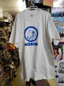 Camiseta de Moebius blanca con dibujo azul. Talla L