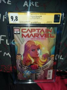 Captain Marvel Issue 8 CGC 9.8 SS AMANDA CONNER SIG. 1ST APP. OF STAR KEY BOOK!