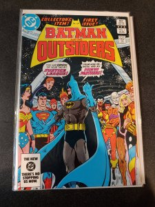 BATMAN AND THE OUTSIDERS #1 VF/NM