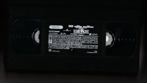 Con Air VHS  Nic Cage ! John Malkovich ! Steve Buscemi ! All Star Cast !