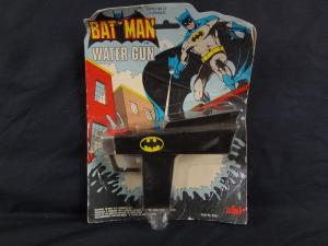 BATMAN WATER GUN - 1979 -AHI- WOW! UNUSED - DC COMIC TOY