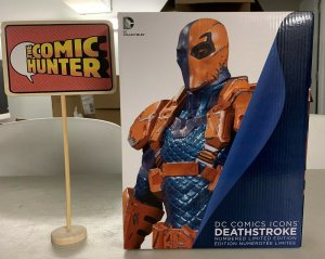 DC Comics Icons Deathstroke Statue Limited Edition