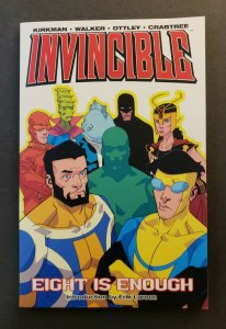 INVINCIBLE VOL.2 EIGHT IS ENOUGH TPB SOFT COVER FIRST PRINT VF/NM